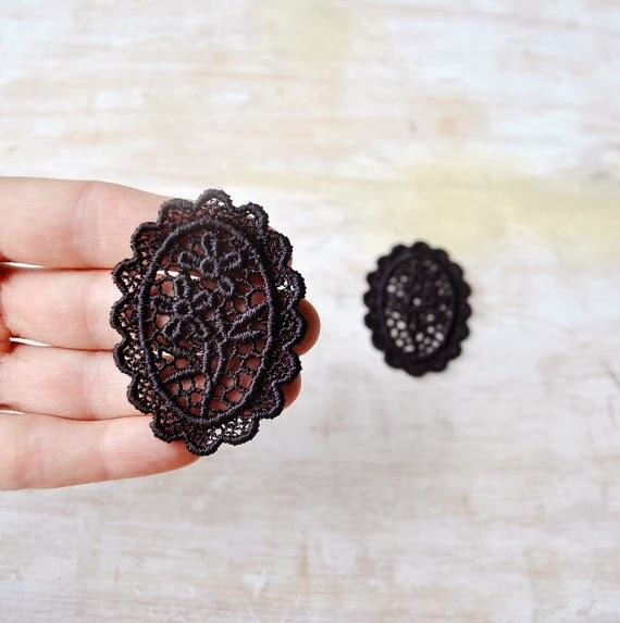 https://www.etsy.com/listing/159614262/black-handdyed-medallion-lace-appliques?ref=favs_view_5