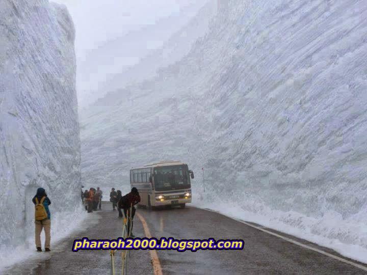 20 meter snow wall in Tateyama Kurobe Alpine Route, Toyama, Japan
