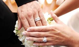 Kenapa Cincin Pernikahan Harus Di Jari Manis
