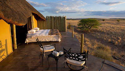 http://namibia-luxury-accommodation.com/hotel/doro-nawas-camp/