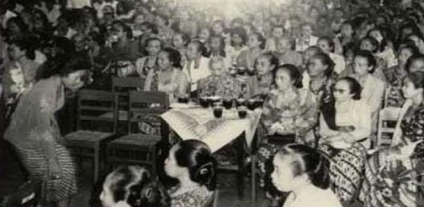 Buatlah Kata-Kata Hari Ibumu Sendiri, Bang Syaiha, http://bang-syaiha.blogspot.com/