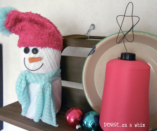 Crochet Thread Snowmen via http://deniseonawhim.blogspot.com