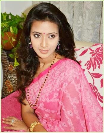 Model+Bidya+Sinha+Saha+Mim003