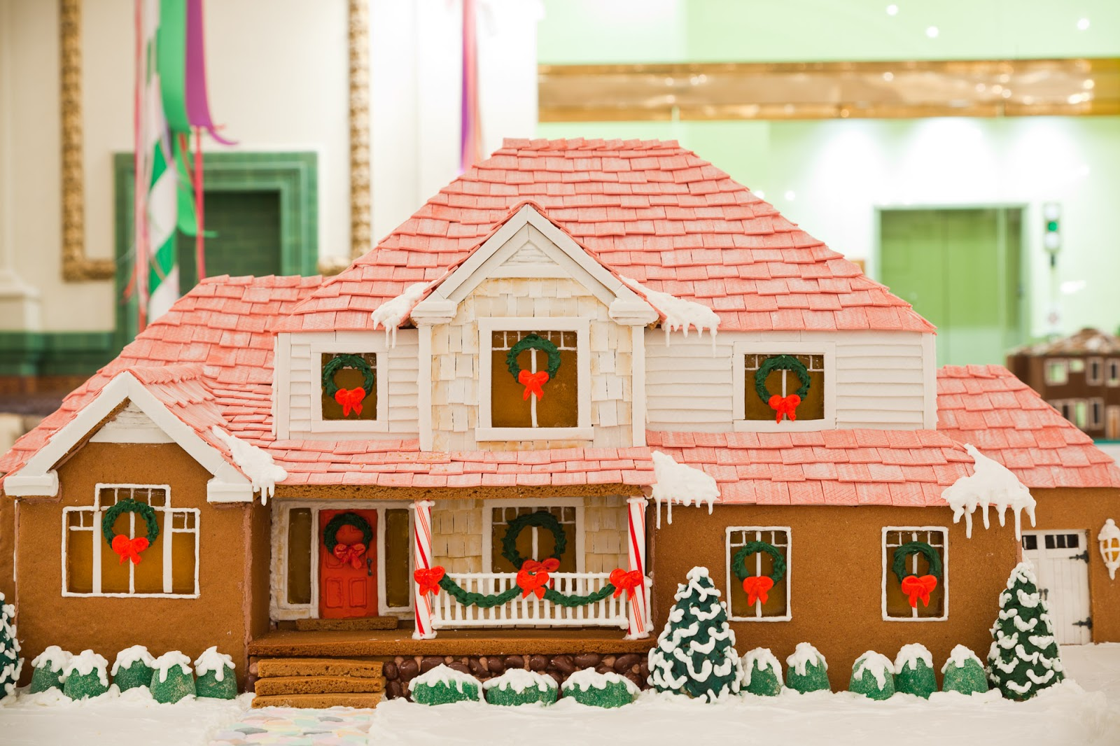 Decorate home like gingerbread house