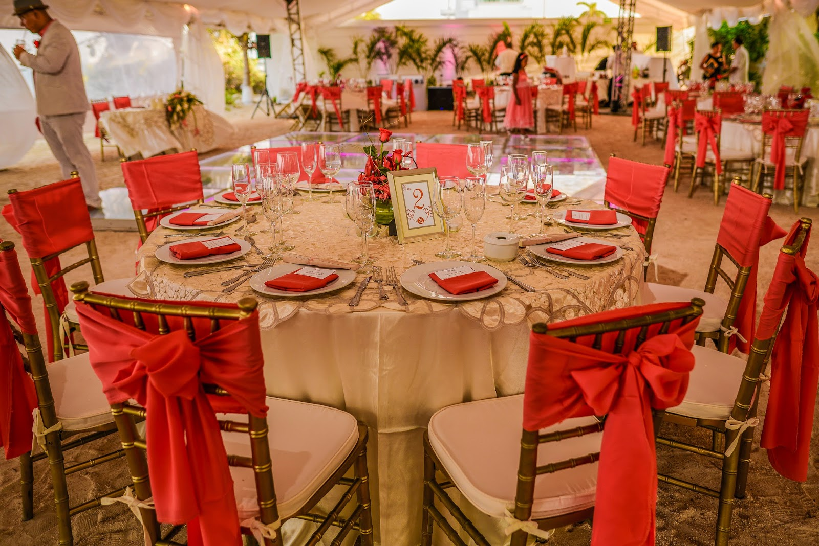 Party boutique canc n boda daly y manuel for Decoracion de sillas para 15