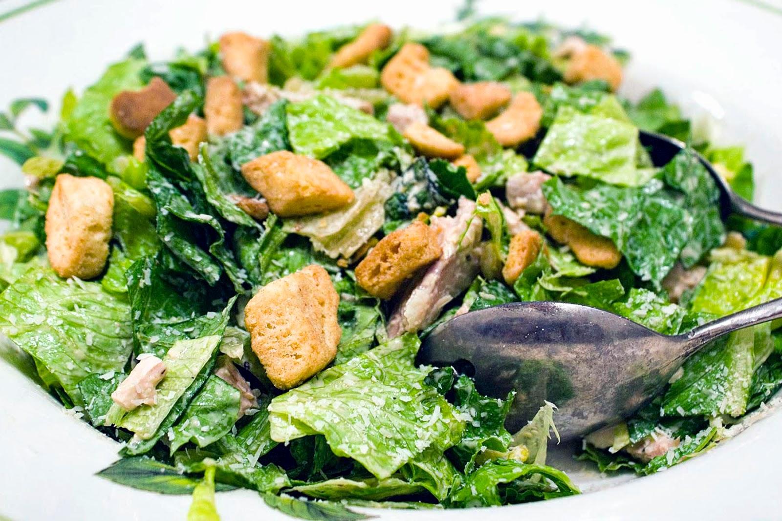 Skinny chicken caesar salad