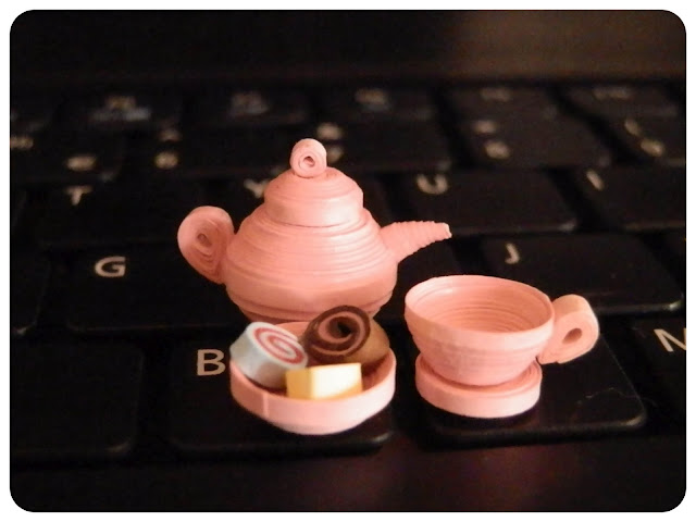 Quilled Teacup and Teapot