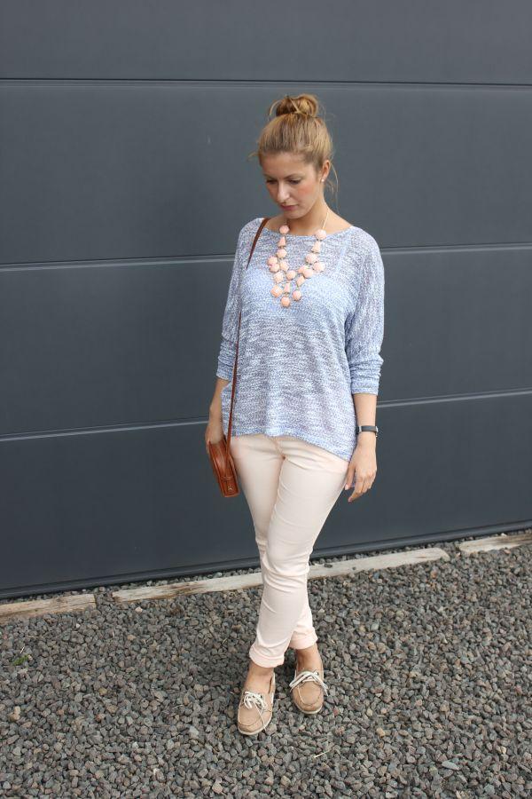 outfit-pastellfarben-rosa-hellblau