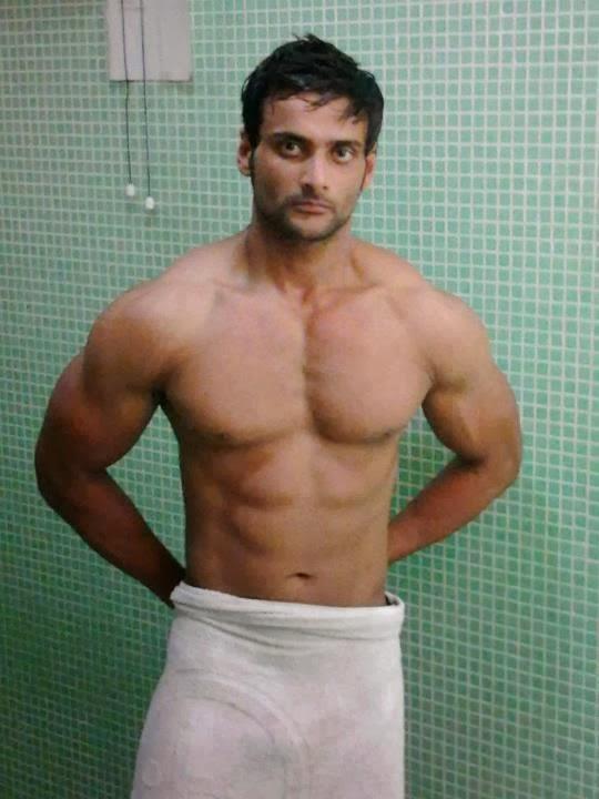 Desi Gay Desires Hunks In Towel 2 - Sexy Erotic Girls ...