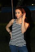 Aksha latest glamorous photos-thumbnail-14