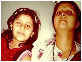 Rani Mukherjee with her mother