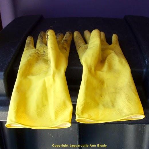 pair of playtex handsaver gloves used