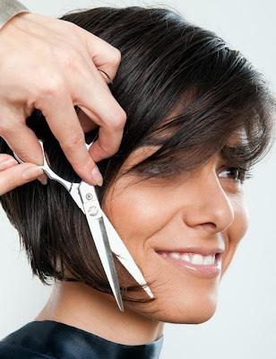 mengurangi resiko saat potong rambut