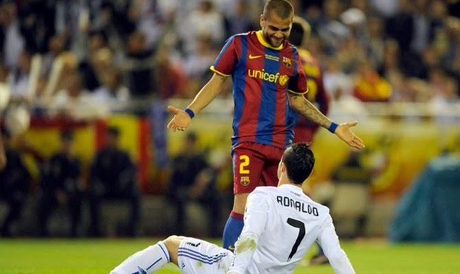 Daniel Alves vs Cristiano Ronaldo