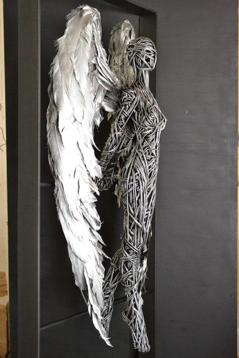 Richard Stainthorp esculturas arame metal mulheres árvores anjas sensuais beleza