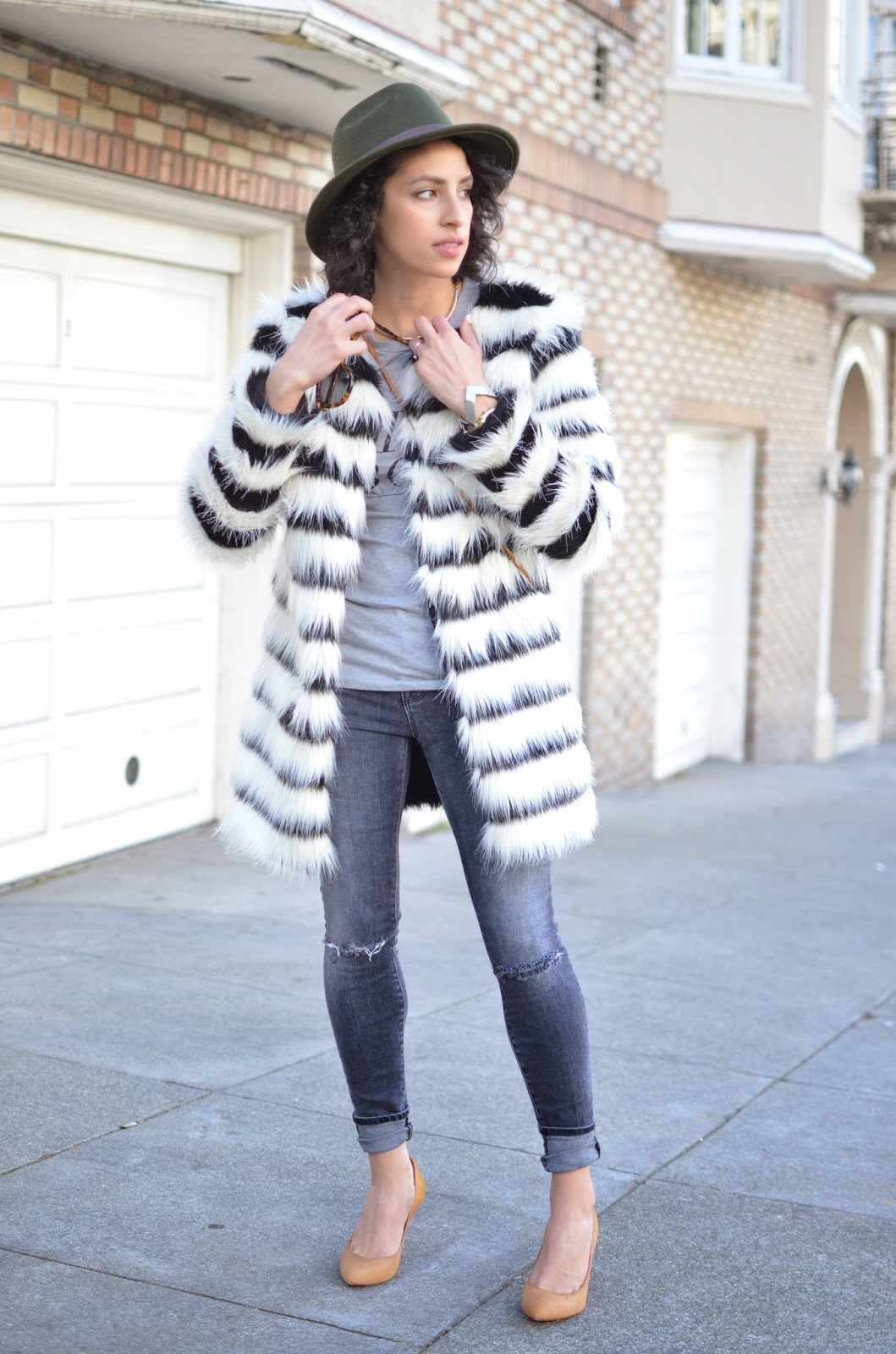 J Brand denim, grey denim, skinny denim, Donald Pliner pumps, nude pumps, how to style faux fur, how to style a fedora, style blogger