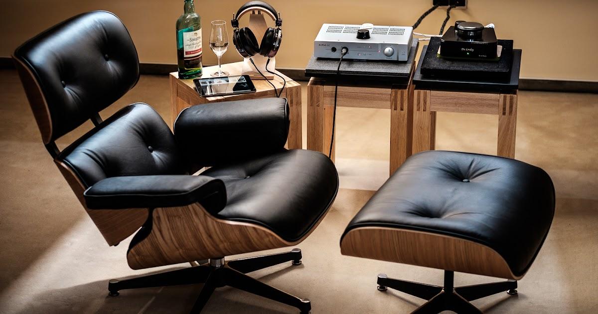 nah aufnahme eames lounge chair mit ottomane. Black Bedroom Furniture Sets. Home Design Ideas
