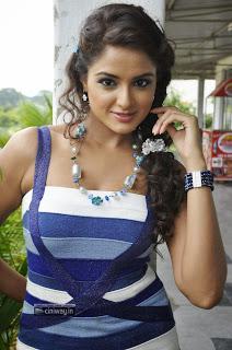 Aadu-Magadura-Bujji-Actress-Asmita-Sood-Stills