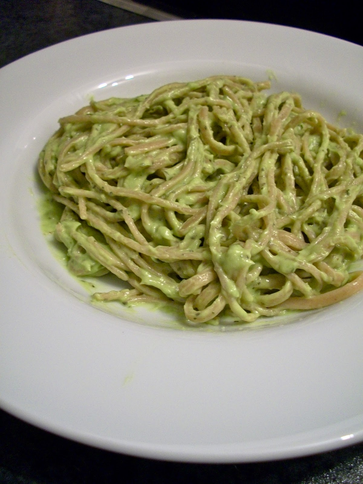 Brooke Bakes : Creamy Avocado Pasta