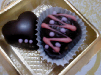 Choco Dark Milk Love Shape + Choco Dark Milk Strawberry Shape Mango Filling