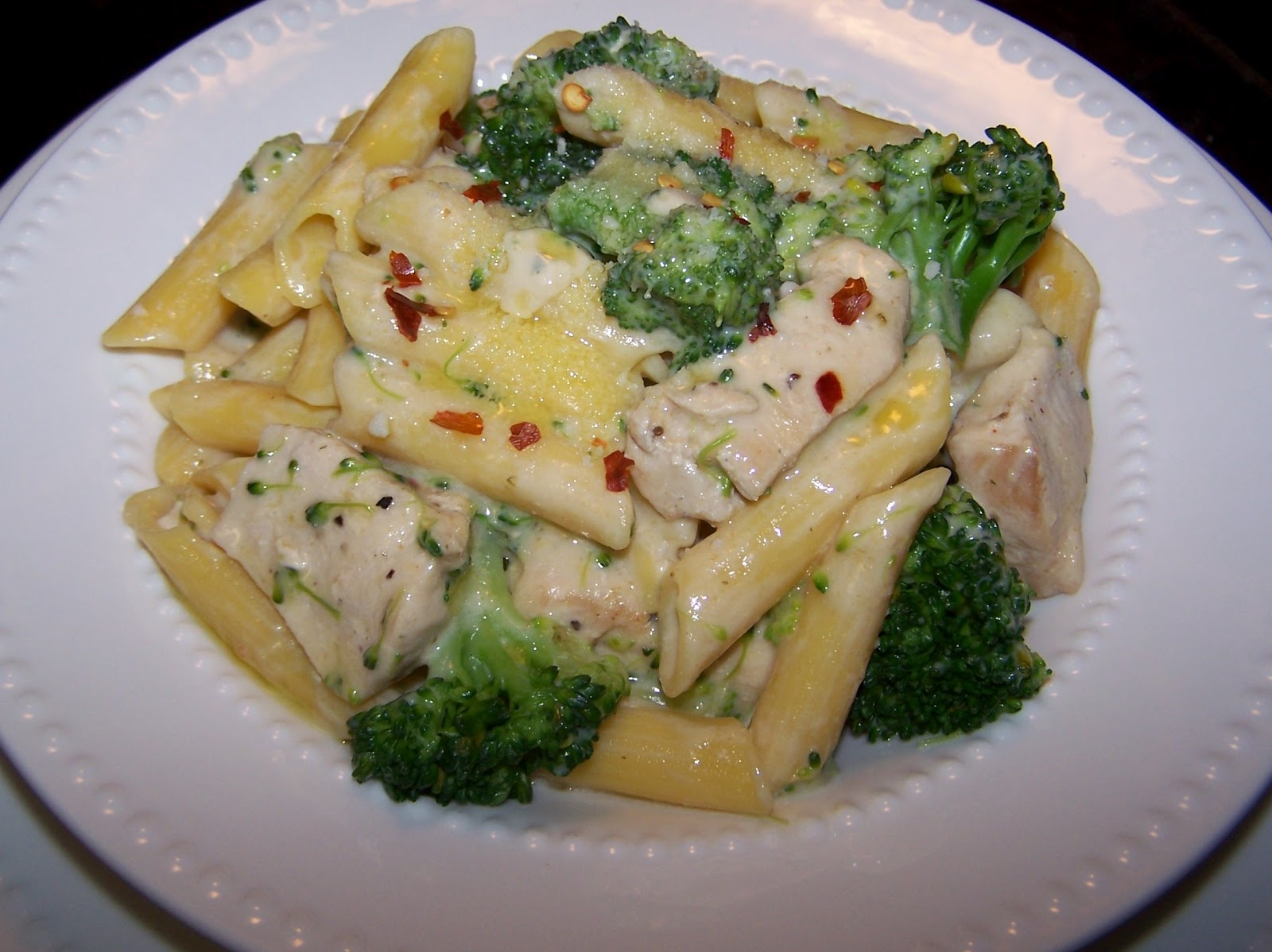 and broccoli pasta creamy chicken and broccoli skillet casserole ...