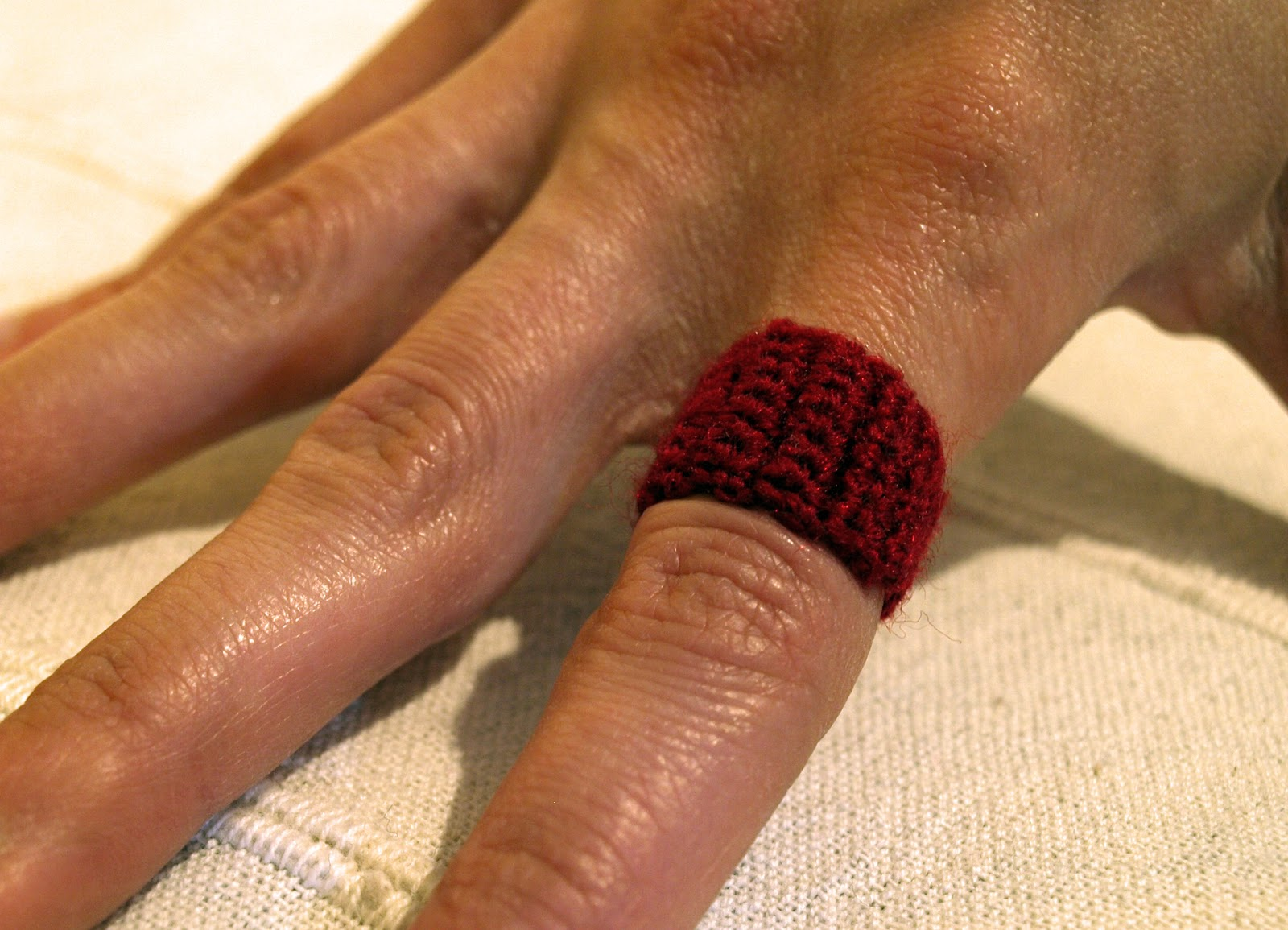 anillo rojo crochet