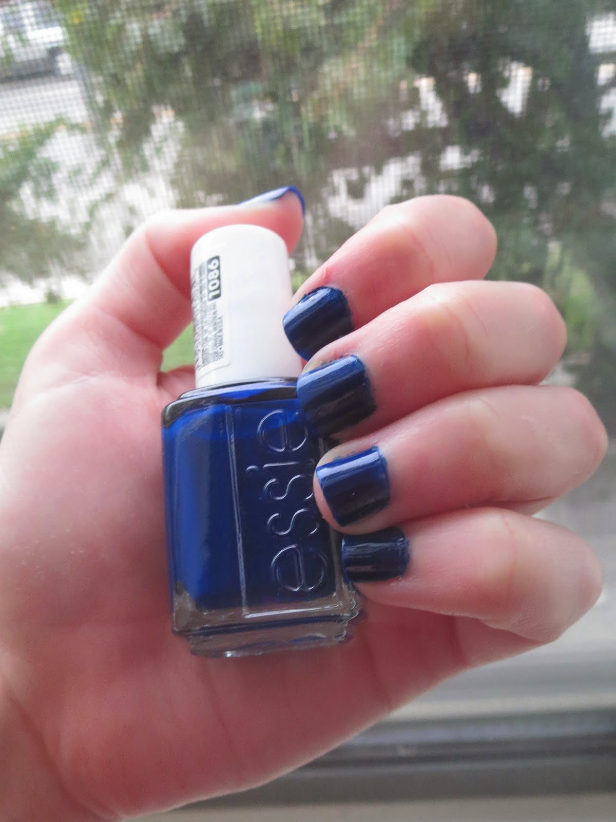 a picture of Essie's Style Cartel nail polish (swatch)