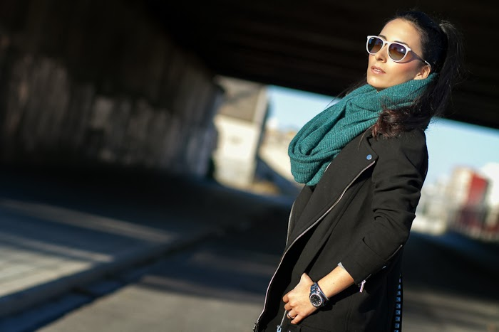 Roco Style with Biker Coat and Woolen Green Scarf