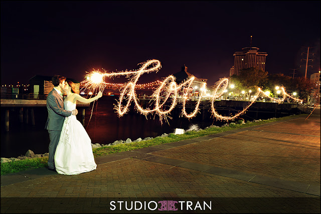 Wedding Sparklers Ideas and Inspiration - Wedding Photography Ideas
