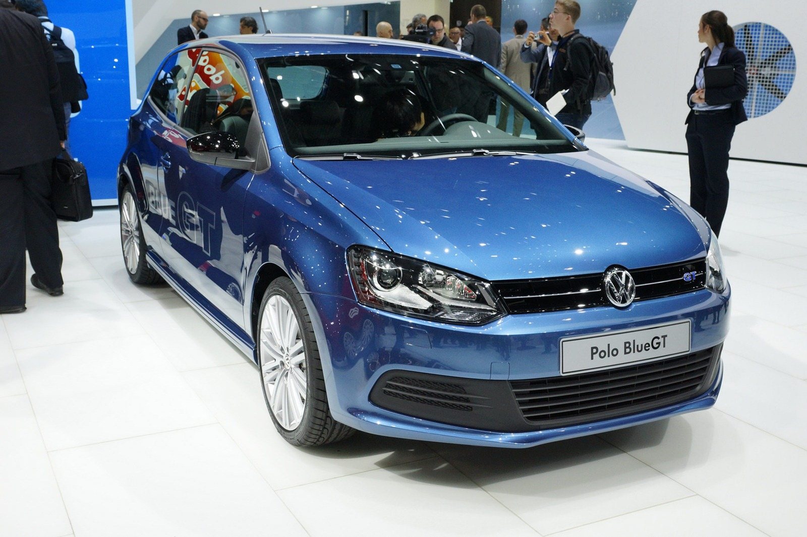 car barn sport volkswagen polo bluegt 2013. Black Bedroom Furniture Sets. Home Design Ideas