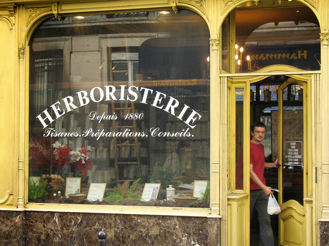 entrance of l'Herboristerie, Paris