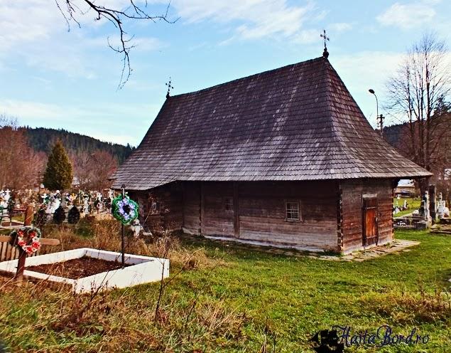 biserica lemn putna