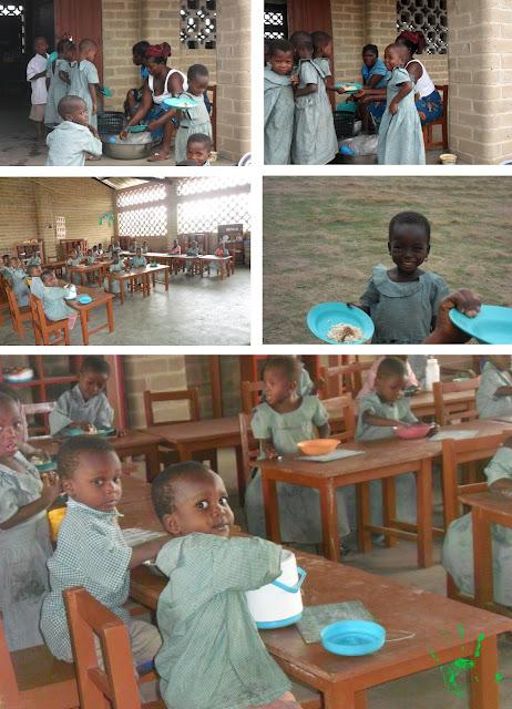 Bambini che mangiano a scuola, missione di Atchanvé, Togo, Africa