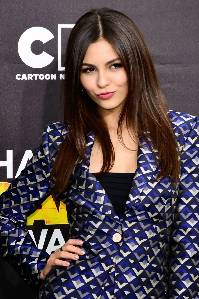 Victoria Justice Spicy Photos at 4th Annual Hall of Game Awards
