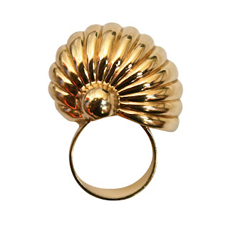 Vintage 1970's gold Cartier seashell ring.