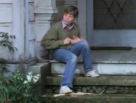 El joven Corky (Brad Beesley) tallando un caballo de madera en Magic - Cine de Escritor