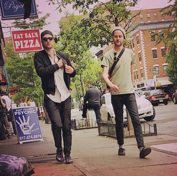 23 Mayo - Nueva Foto Fan de Rob y Jamie Strachan en NYC, ayer!!! (22 Mayo) Insta