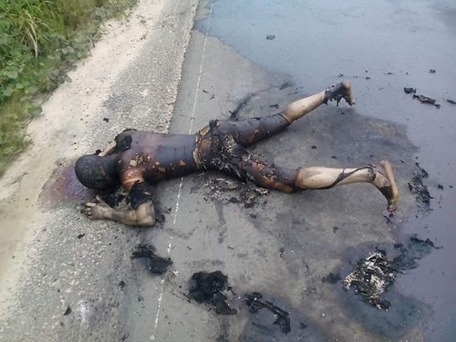 Sad Graphic Photos Man Burnt To Death In Fatal Car