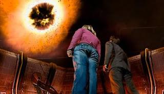 Cena de Rose e Doutor em Doctor Who, episódio O planeta impossível