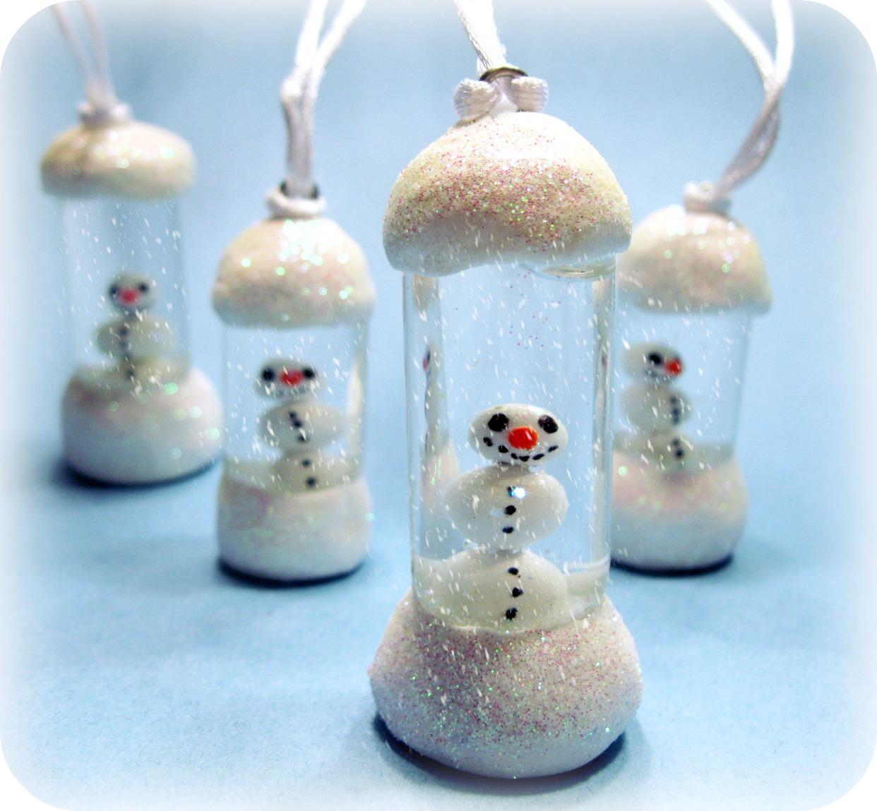 ...Make It With Me: Snowman Snow Globe Pendant