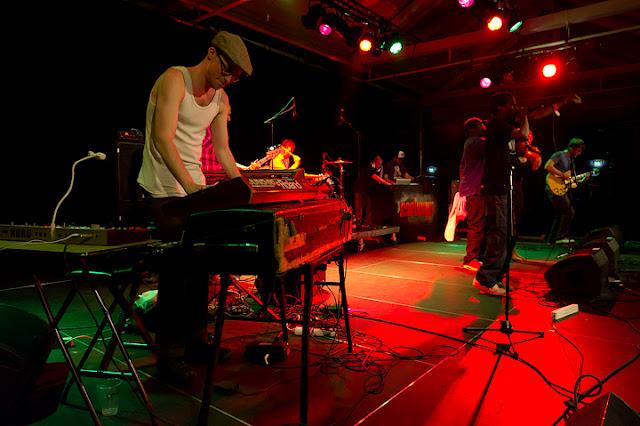 Dafuniks sur scène