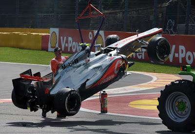 Foto Insiden Tabrakan di Formula 1 Belgia