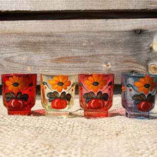 Lot 4 verres à digestif à motif floral vintage par la puce au grenier