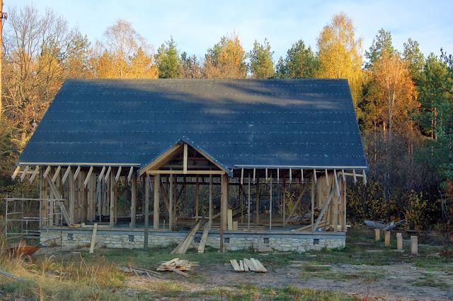 Konstrukcja-drewniana-domu-z gliny-i-slomy(Budujemyzgliny.blogspot.com)