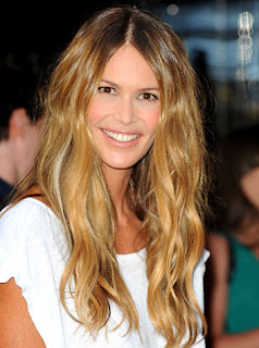Elle MacPherson with curly Medium Hair