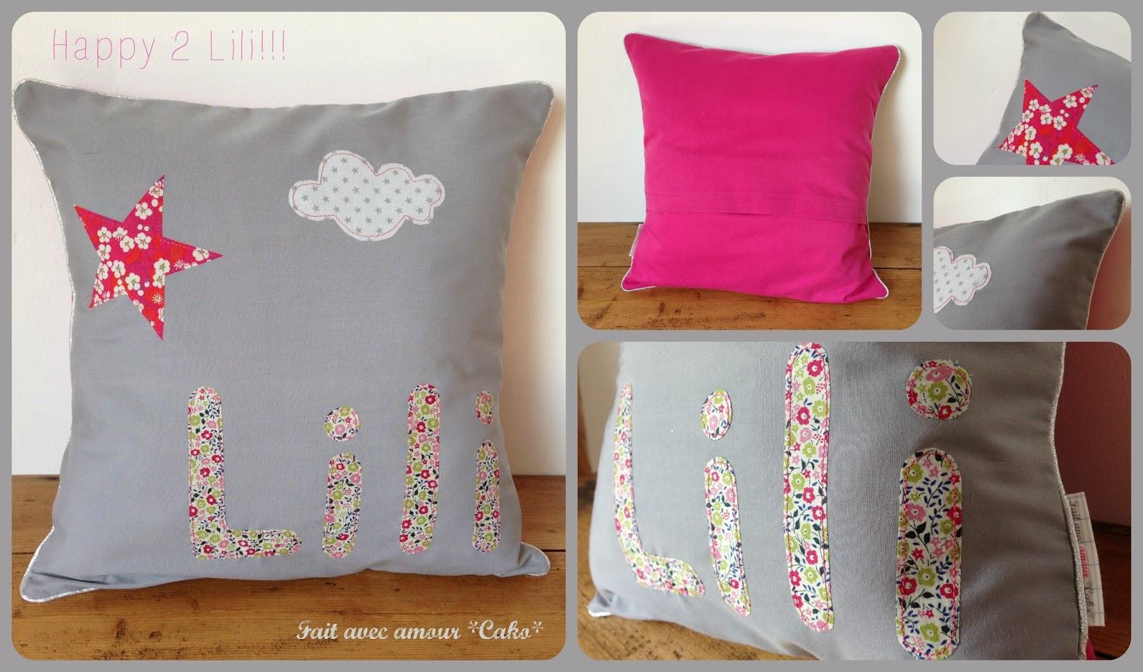 fait avec amour cako coussin personnalis pour lili. Black Bedroom Furniture Sets. Home Design Ideas