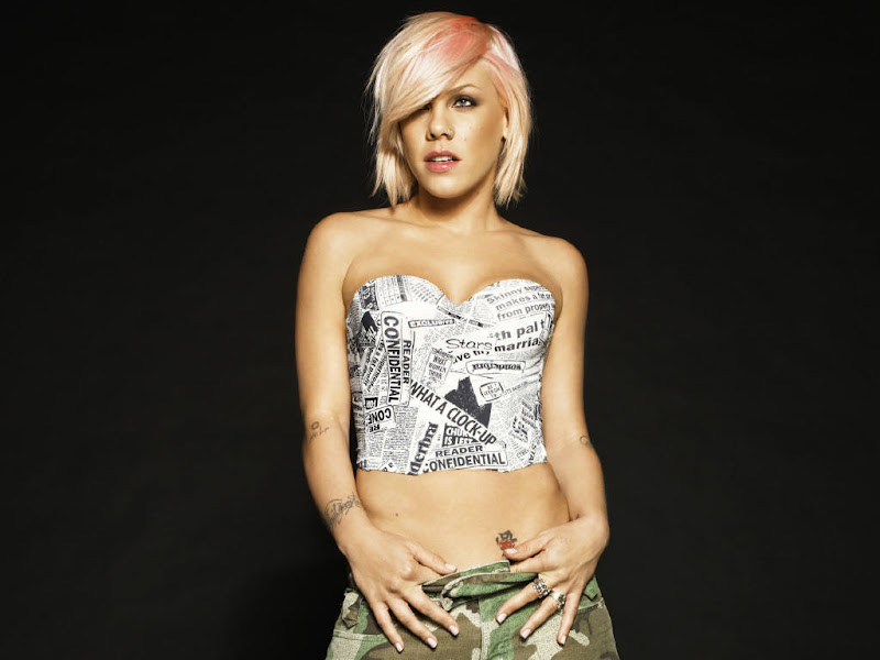 American singer-songwriter and musician Pink Wallpapers title=