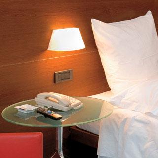 Iluminaci n para el dormitorio ideas para decorar - Iluminacion de pared ...