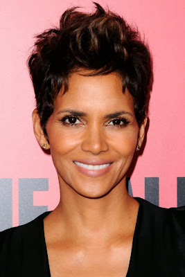 Halle Berry Casual Short Hairstyle Curly