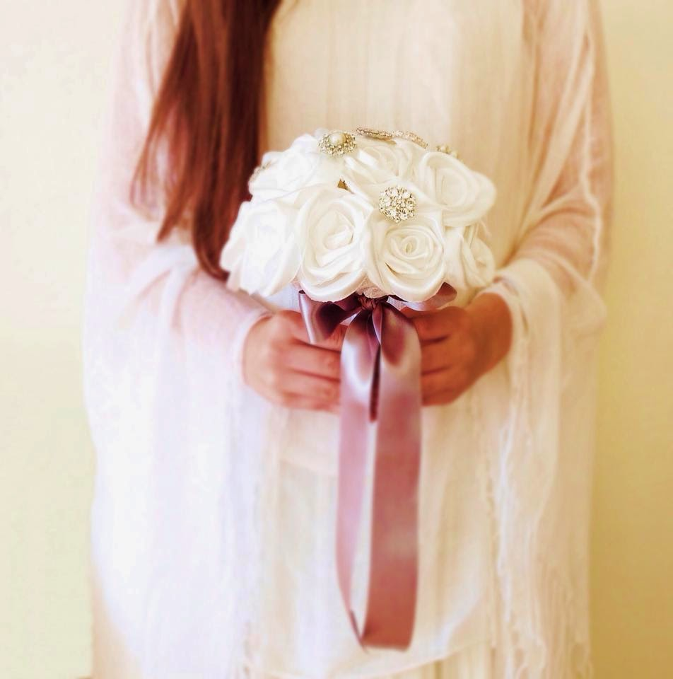 bouquet de noiva com rosas em cetim